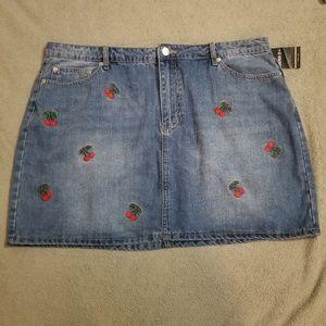 Forever 21 Denim Cherry Skirt 3X NWT